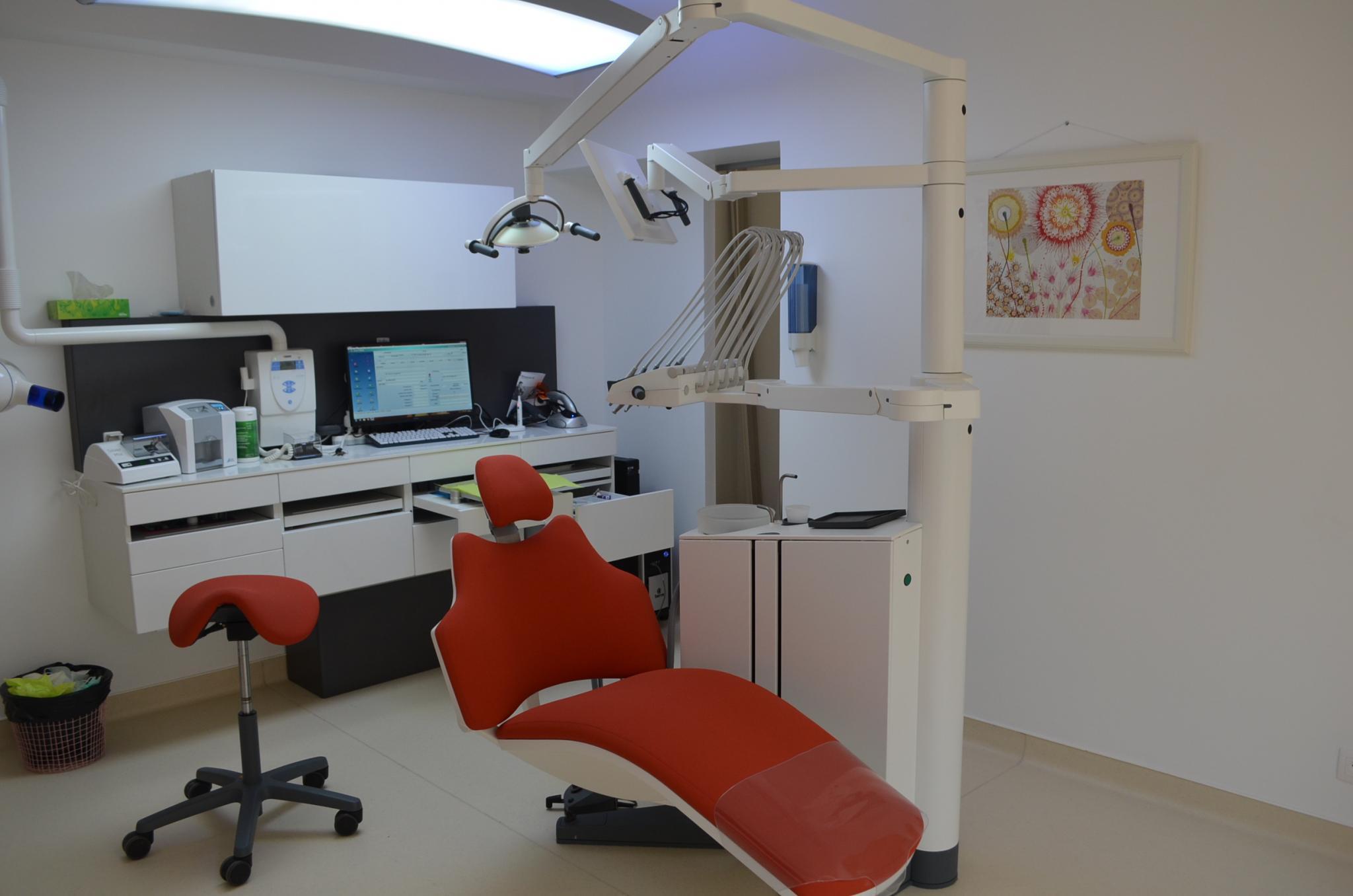 visiter le cabinet dentaire saint quentin 02100 dentiste dr aline paris. Black Bedroom Furniture Sets. Home Design Ideas